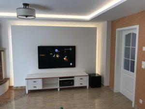 Wandsegel und Lichtvouten im Deckenbereich